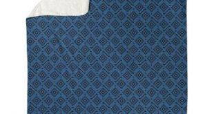 Latitude Run Avicia Square Maze Fleece Blanket