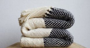 Chunky knit blanket, Boho bedding wool woven throw blanket, Cozy Blanket, Black and white couch cove