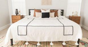 Mira - Large Pom Pom Blanket (King/Queen Size)