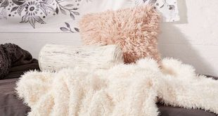 AD: Faux Fur Throw Blanket bring bohemian cozy decor into your small bedroom | S...