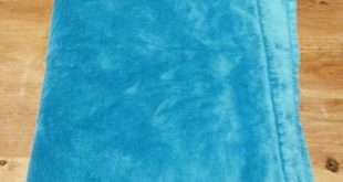 Large Fuzzy Blanket Barely used blue soft fuzzy blanket Other