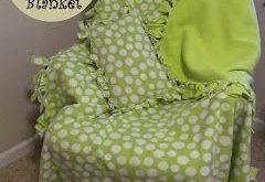 A Crafty Cook: No Sew No Knot Fringe Fleece Blanket and Pillow Cover #tiedie  20...