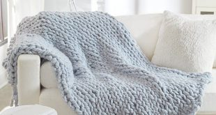 No-Needles Knit Blanket free craft pattern in Irresistible yarn. This cozy blank..., #blank ...