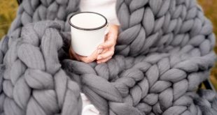 "Small throw blanket 35""x50"" (90x130 cm)"